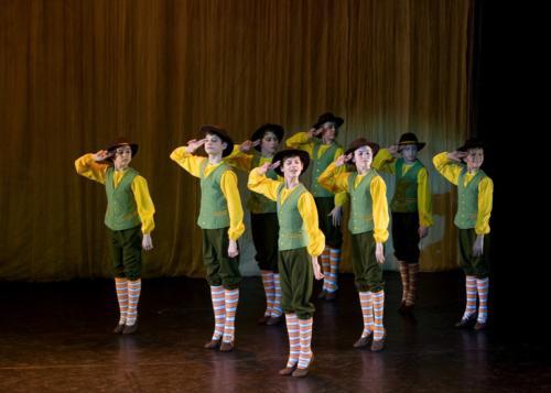 Детский танец «После дождя» Старинная музыка 12-14 в.в. Хореография В. Смирновой