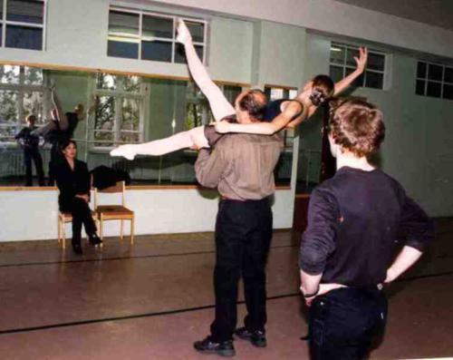 "М.Л.Лавровский, Ж.Б.Васильева на репетиции ""Адажио"" из балета ""Казанова"", 1998 г."